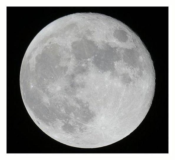 photographie de pleine lune