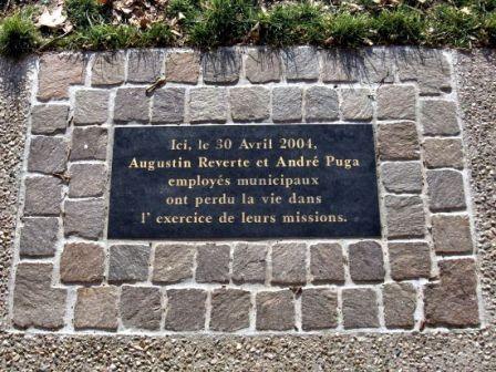 Plaque hommage agents municipaux berges Garonne de Toulouse